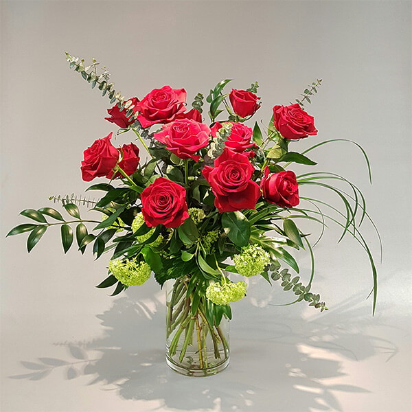 Expression of love by Red Rose arrnagement